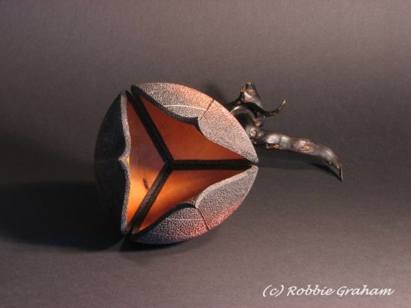 Kohuhu 2 by woodturner Robbie Graham